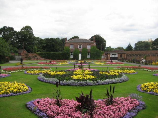 Thornes_Park_Flower_Garden_(640x480)